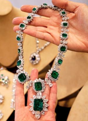 Elizabeth Taylor's Favorite Necklace Jewellery