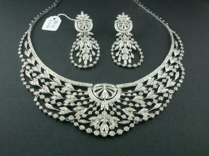 cubic zirconia, CZ, man-made diamond, cultured diamond, natural diamond, diamond necklace, cubic zirconia jewellery, gemstone