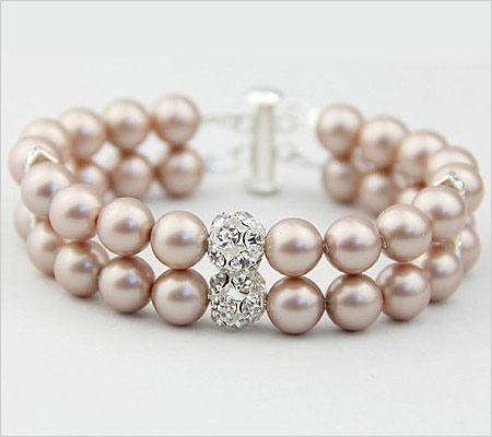 Pearl Bracelet (Source: weddbook.com)