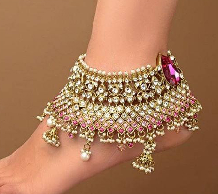 Multistone Studded Anklet (Source: trends4ever.com)