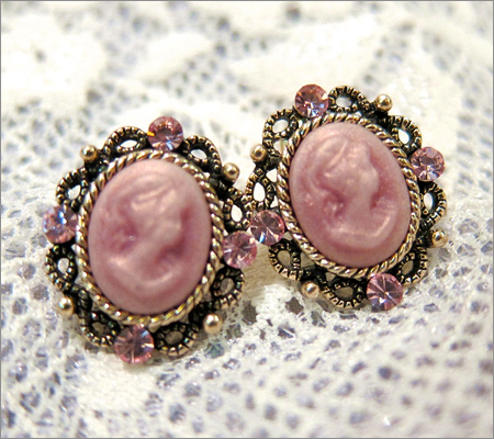 Vintage Earrings (Source: fleurfaerie.com)