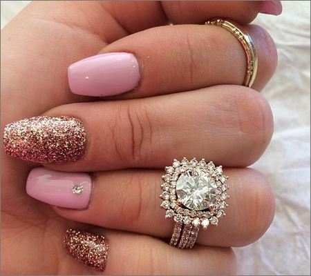 Nail the Rose Gold (Source: pinterest.com)
