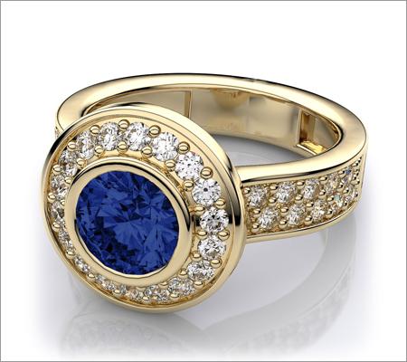Gold Gemstone Ring (Source: diamondwave.com)