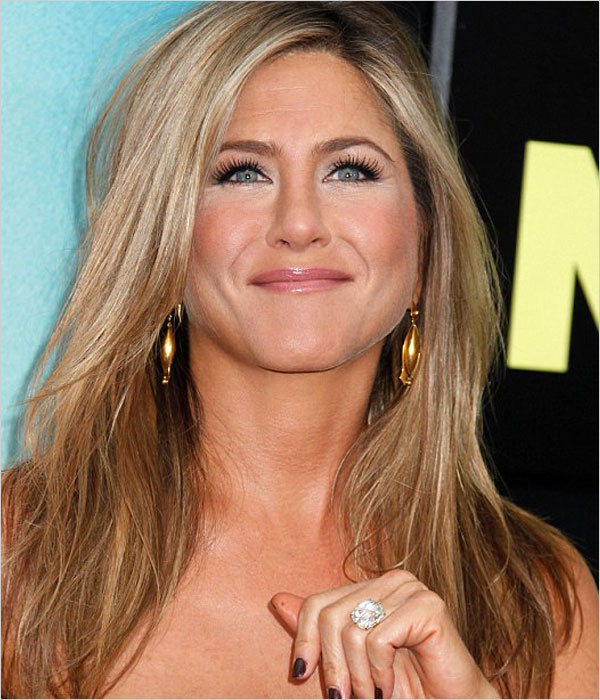 Jennifer Aniston Engagement Ring (Source: dailymail.co.uk)