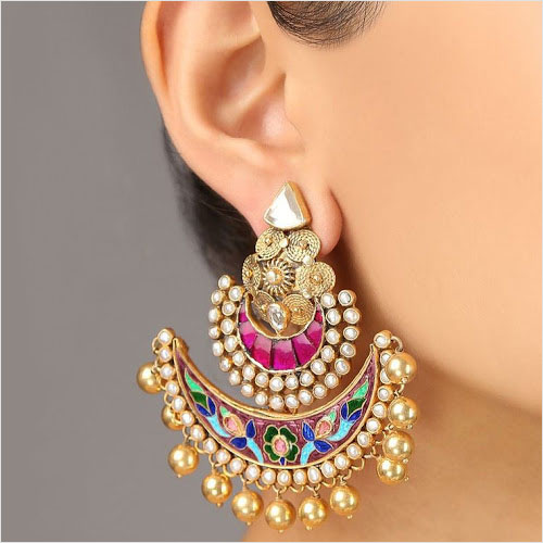 Earrings (Source: blogspot.com)