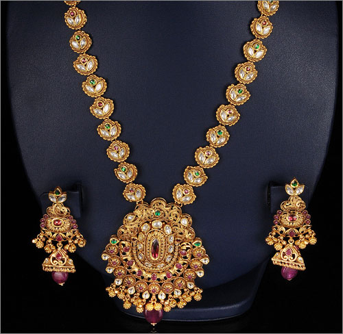 Antique Jewellery (Source: blogspot.com)