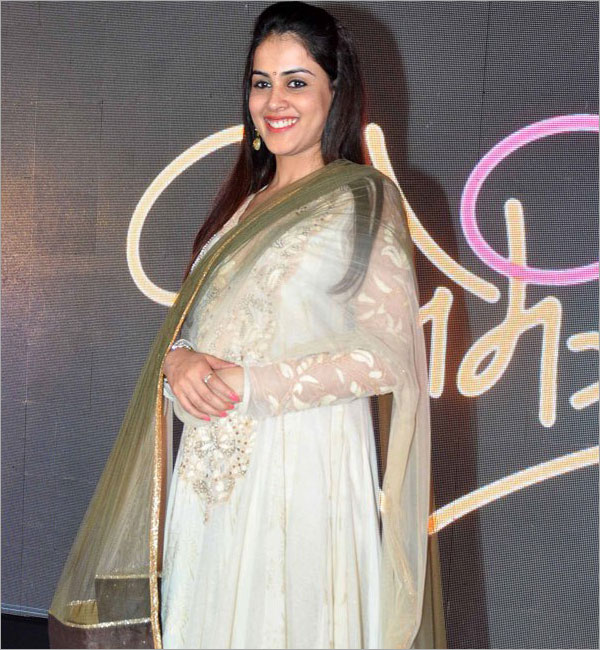Genelia D'Souza (Source: indianexpress.com)