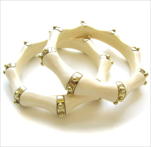 Ivory Jewellery (Source: calvinbroyles.com)