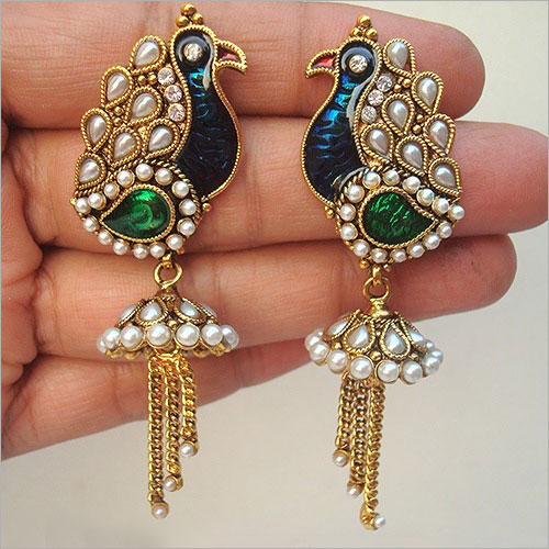 Meenakari Jewellery (Source: fashionlady.in)