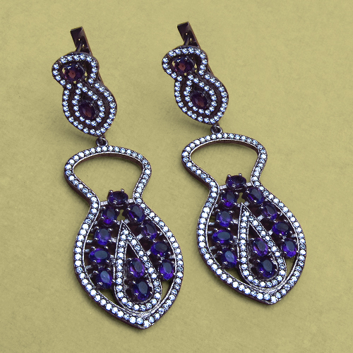 Dangler-diamond-earrings